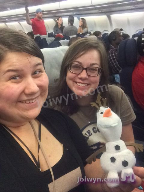 Olaf and Joiwyn on Airplane